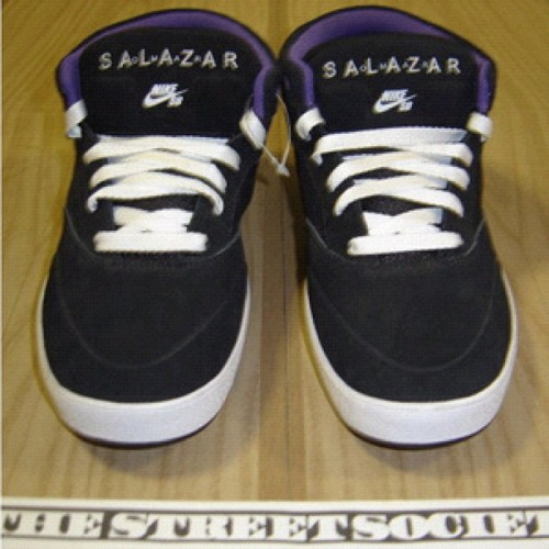 #unreleased #omarsalazar #sample sz 9 -  http://shop.thestreetsociety.com/product/nike-sb-zoom-omar-salazar-sample-ds-size-9 #nikesb #teamnike #sz9 (Taken with Instagram)