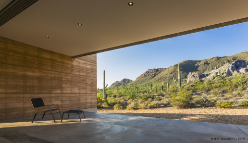 dustdb:  Check out some updated photos of the Tucson Mountain House on our website, photos by Jeff Goldberg / ESTO  Looks amazing! I am super honored to have been able to work with these creative geniuses on this. More Pictures please!