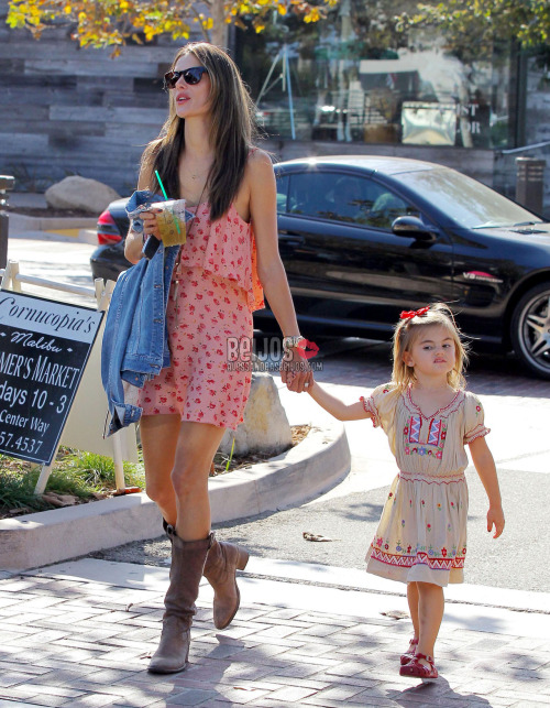 @AngelAlessandra & Anja out in LA (Oct 7)