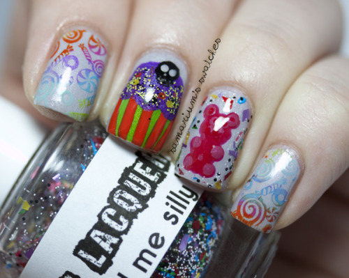 beautylish:  Cute Trick or Treat nails from Sarah E.!