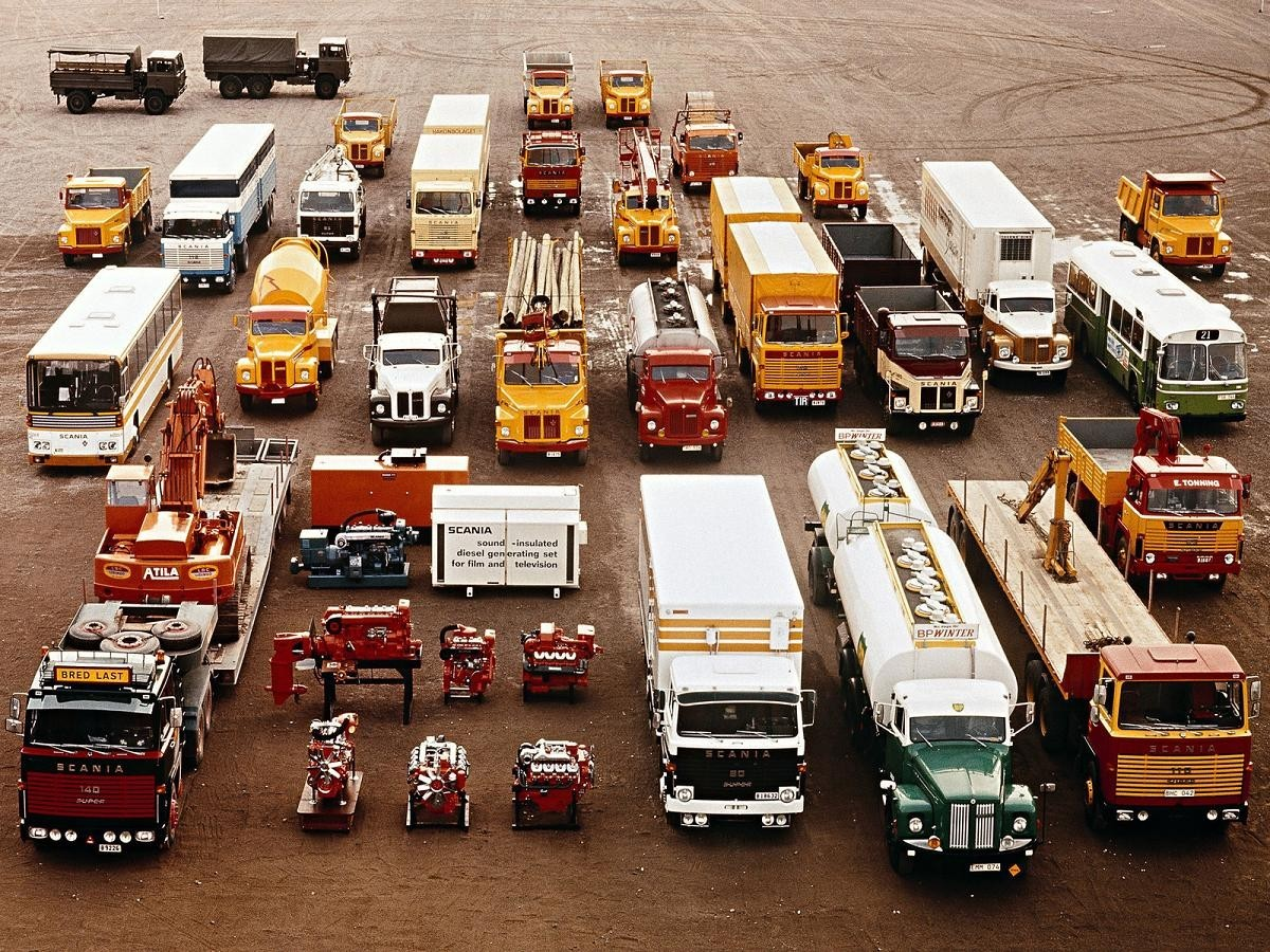 justtrucks:  Scania Family Organized Neatly   ed: I've been drafted to contribute to another great Tumblr, JustTrucks. Thanks to supersexylikeherionsweet for the tip.