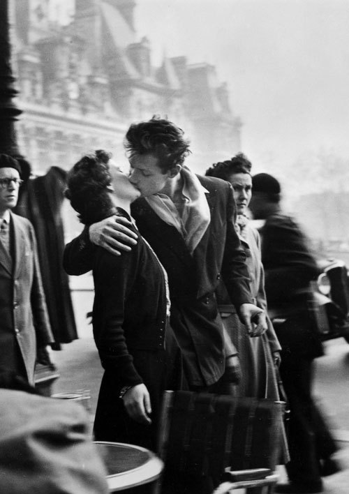 allaboutthepast:  The Kiss photographed by Robert Doisneau, France, 1950.