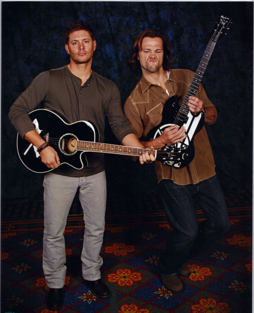 Sam and Dean with my guitars, Sam and Dean. Note Jared's exceptional guitarface.