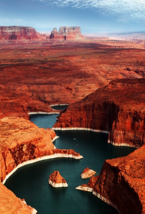 motomonstercross:  precum:  Lake Powell, Utah  Utah's such a wonderful place