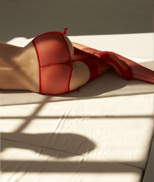 merlin-reborn:  Erotic RED