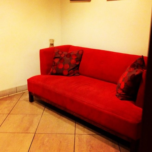 #photoadayoct #day9 #red #couch #thegrove #californialove 💋❤ (Taken with Instagram)