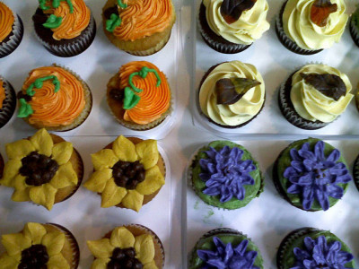Fall Cupcakes 1 by Delicately Delicious on Flickr.