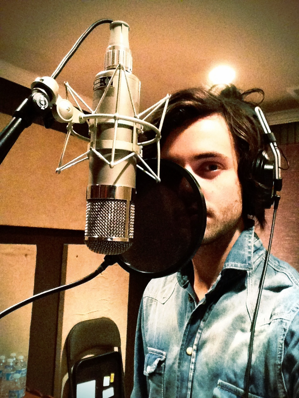 iankeaggy:  Sangin. May or may not be a Christmas song…