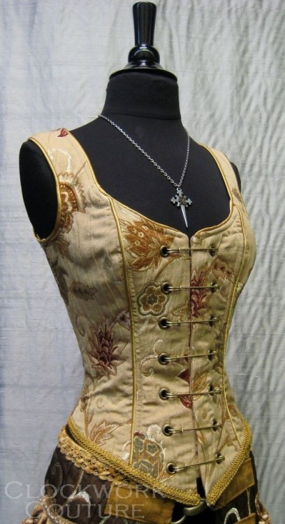 steelboneddiva:  Corset by Clockwork Couture