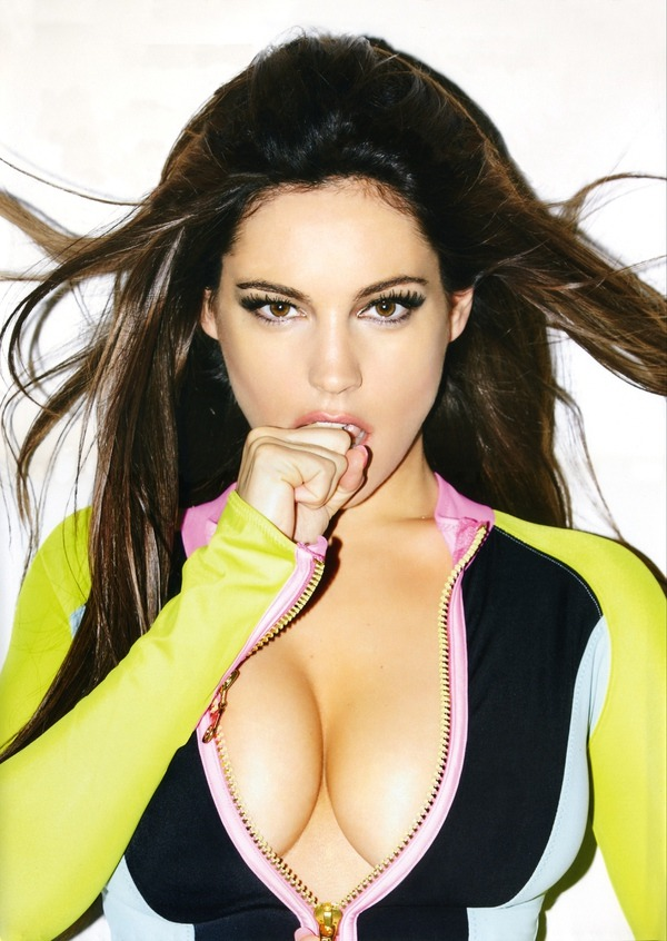 elarcadefino:  Kelly Brook