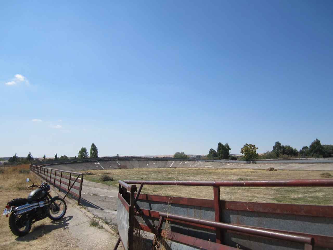 A Triumph Scrambler and an old velodrome in Castilla.