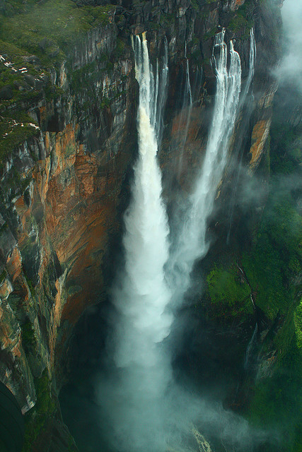 Kerepakupai Merú (Angel Falls) by Ian Lambert on Flickr.