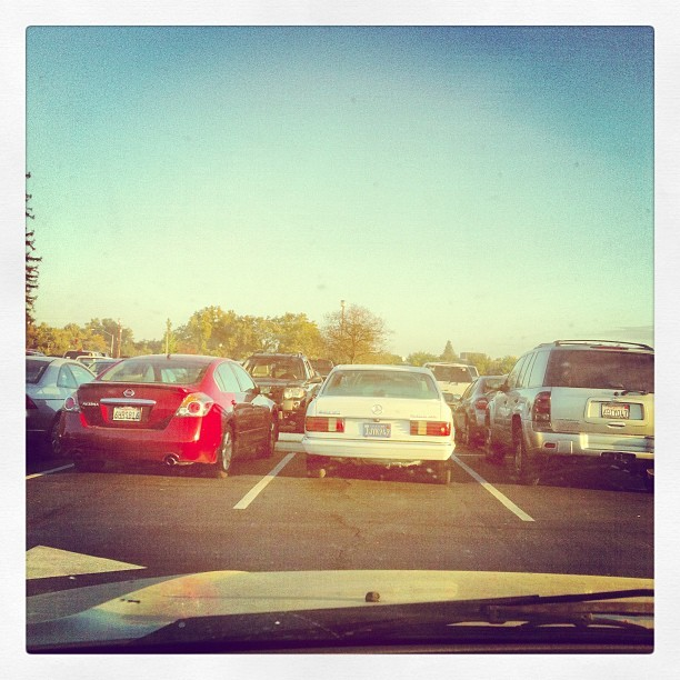 Today's #parking for #tuesday #morning. Pardon my super dirty window lol. #car #parkinglot #parkinglothangout #yup (Taken with Instagram at Stadium Parking)