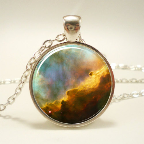 kitschyliving:  Omega Nebula Necklace