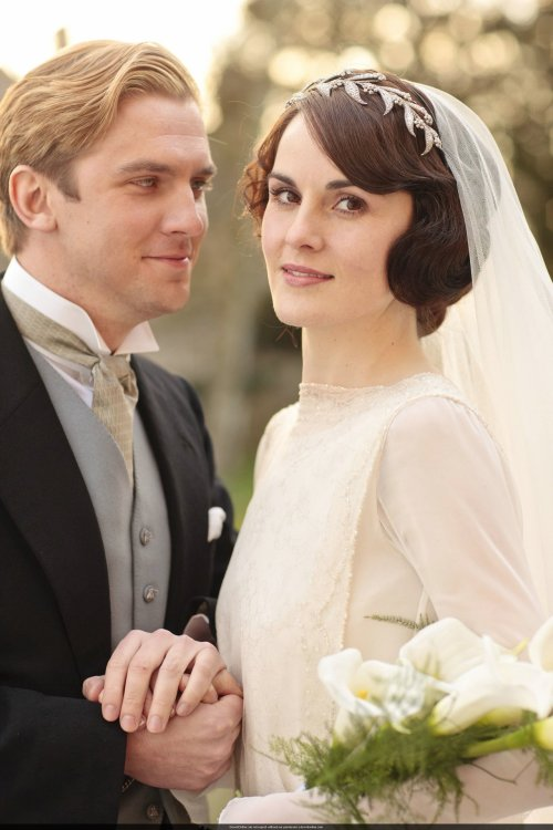 the-garden-of-delights:  Dan Stevens as Matthew Crawley and Michelle Dockery as Lady Mary Crawley in Downton Abbey (2012).