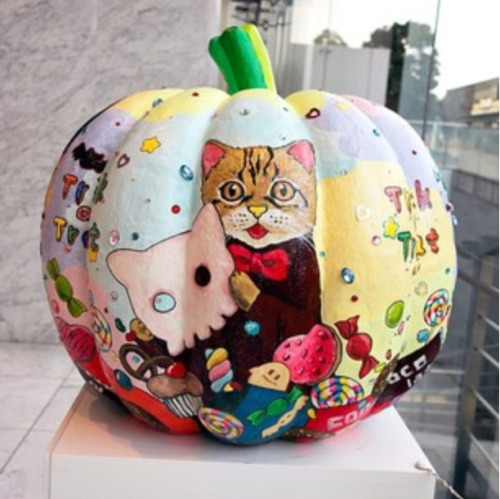 From the @TokyoFashion Instagram account. A pumpkin.