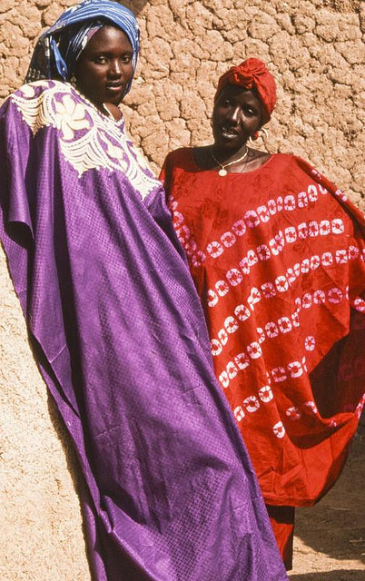 Jeunes femmes houssa. Zinder by courregesg on Flickr.