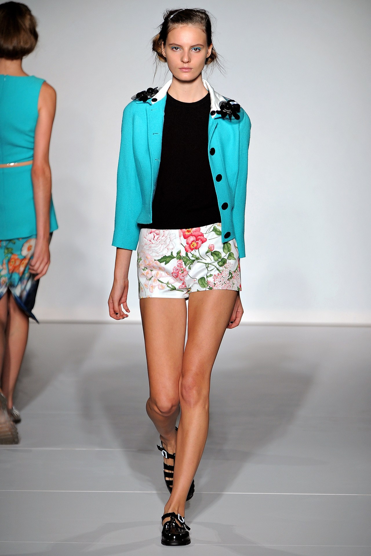 I want these shorts from Clements Ribeiro SS 2013!
