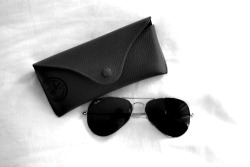 w-aters:  I love the ray bans case