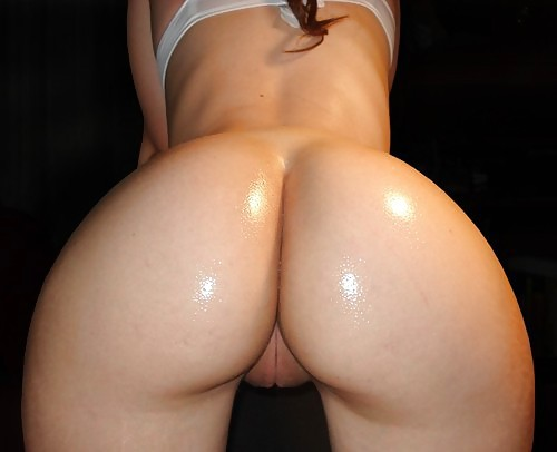 womennextdoor:  For more visit: womennextdoor   Submit your pics HERE!  Yum