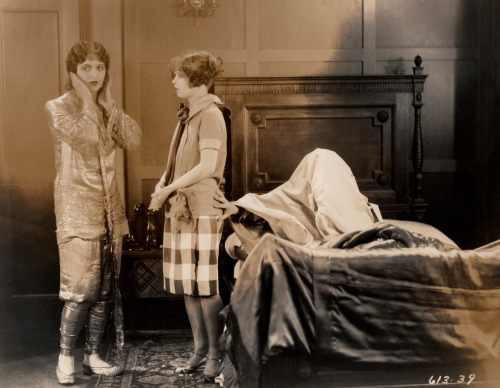 clarabowarchive:  Ghostly Touch ☆ Clara Bow ☆ Natalie Kingston ☆ Eddie Cantor ☆ Kid Boots (1926) ☆