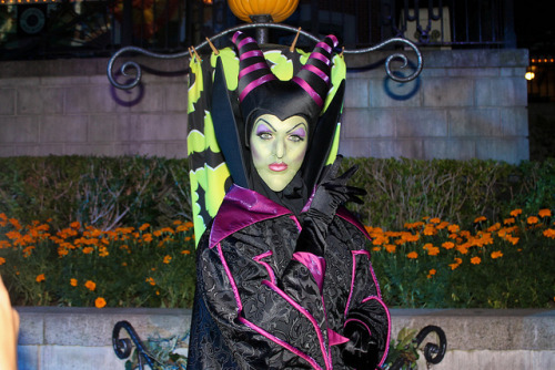 Maleficent by jodykatin on Flickr.I CAN'T WAIT TO MEET HER WHEN I GO TO MICKEY'S HALLOWEEN PARTY!!!