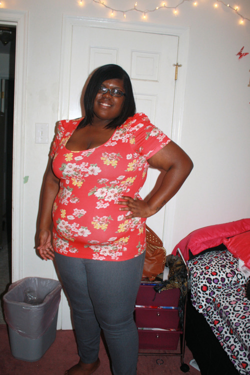 fuckyeahchubbyfashion:  My Names Janelle (size omitted) Shirt- Forever21 Pants-Forever21 I also wore a heart necklace and i had on payless sandals which i took off right before this pic was taken