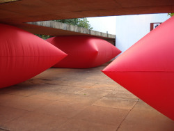 Giant Inflated Pillows by Geraldo Zamproni.