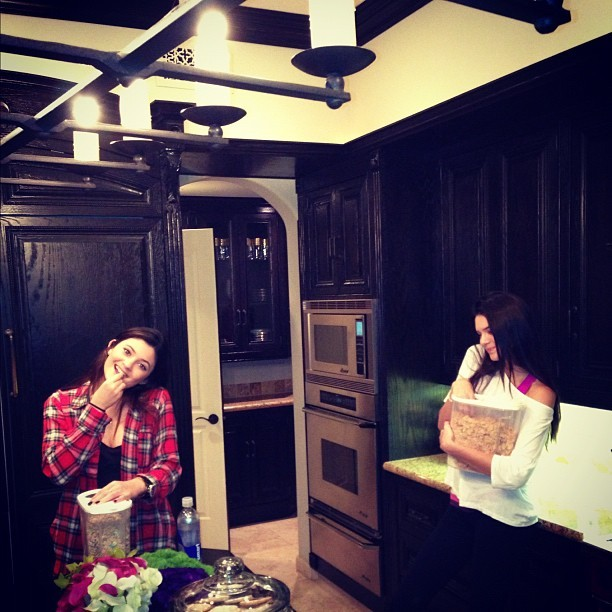 robkardashian: Busted. Caught the little Sisters munching!!!