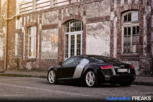 automotivefreaks:  Audi R8 on Flickr.