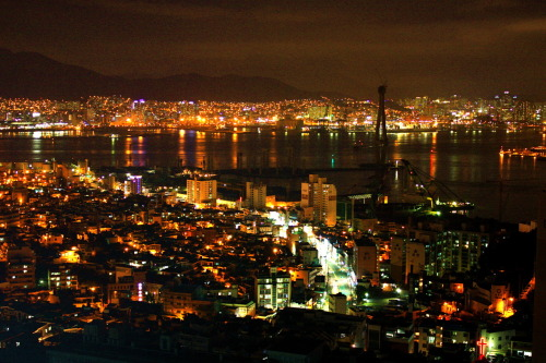 asialovermike:  Busan Night Skyline