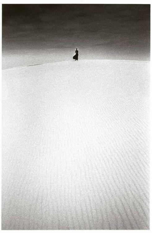 yama-bato:  Le Journal de la Photographie Jeanloup Sieff the Seventies  Dune du Pilat, France, 1973