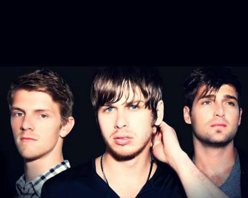 hellyesfosterthepeople:  this picture is not ok  Wow. Drop. Dead. Gorgeous.