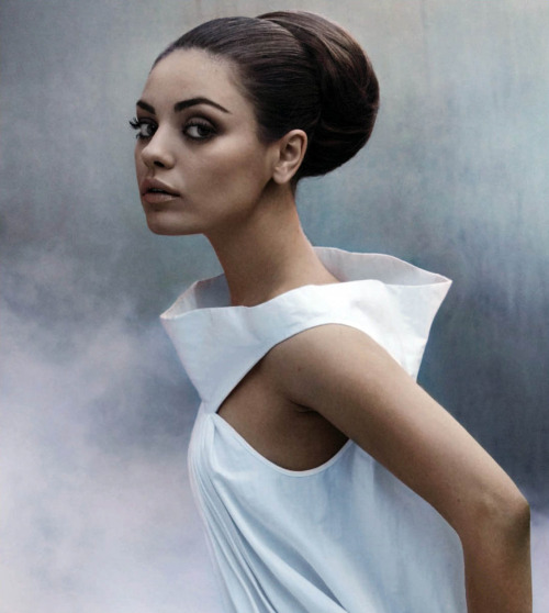 Mila Kunis is absolutely the sexiest star in Hollywood. She is also very classy and not too trashy (not that we'd mind!)