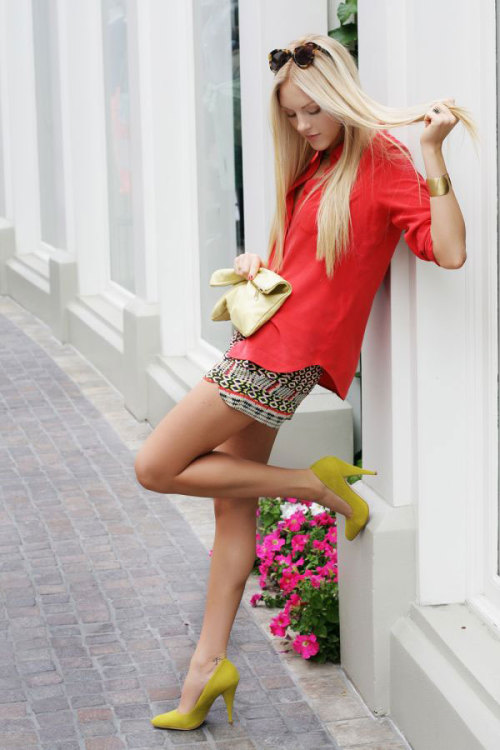 Fashion Click blogger Shea Marie of Cheyenne Meets Chanel pairs a coral Equipment top with Rebecca Minkoff shorts for an effortlessly cool look. Learn more about her outfit here »