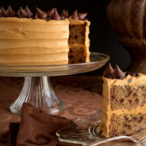 gastrogirl:  banana chocolate chip cake with peanut butter frosting.