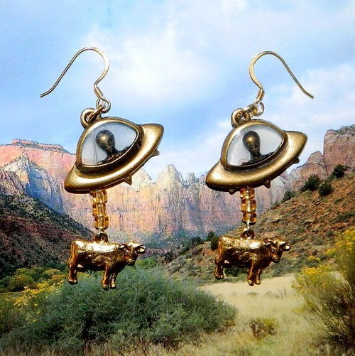 (via Jewelry and Rocks and Nail polish / *) Flying-saucer-abducting-cow earrings: the best, y/n?