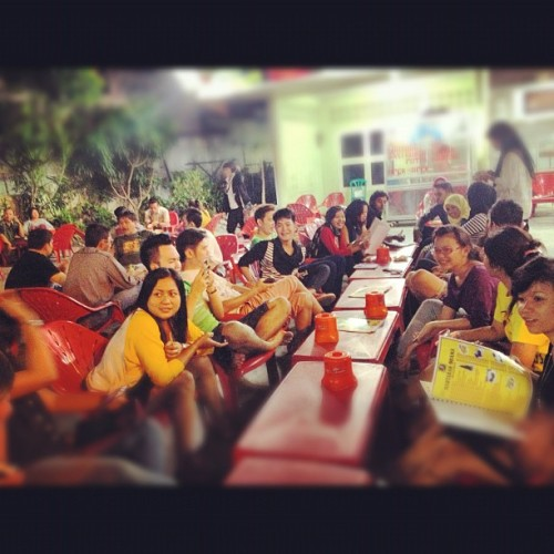 dinner with anak-anak bintang radio nasional 2012!! wohooooo!! (Taken with Instagram)