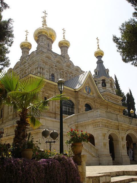 visitheworld:  The Church of Mary Magdalene, Mount of Olives, Jerusalem (by Cat Lover).