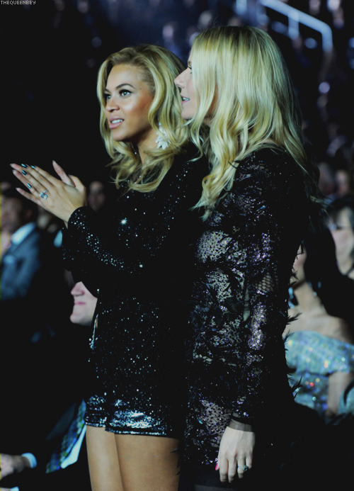 Beyonce and Gwyneth Paltrow at the 2011 Grammy Awards