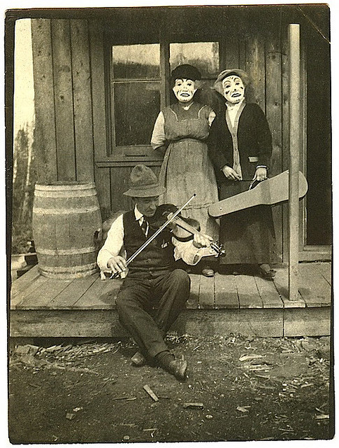 Polygamist Clown Hootenanny  by changoblanco on Flickr.