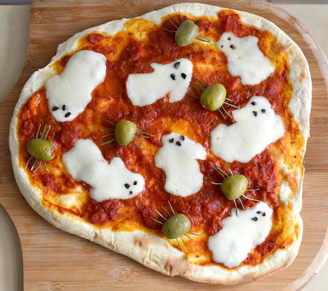 retrowar:  Spooky pizza