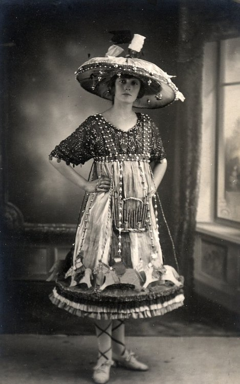 maudelynn:  Dressed as a Carousel c.1919