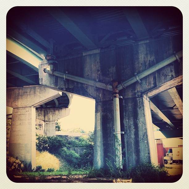 numbphoto:  #bridge #newyorkcity #farrockaway #nyc #overpass #concretejungle (Taken with Instagram)