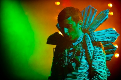 Totally Enormous Extinct Dinosaurs @ OAF Photo: Ashley Mar