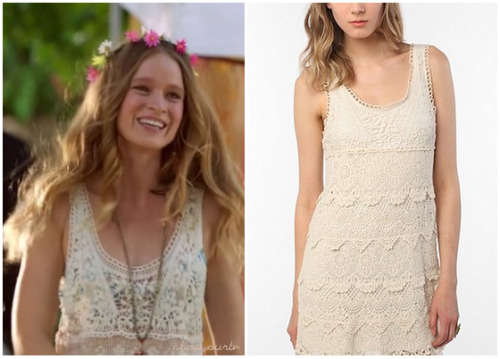 Lily Ann wears this cute white crochet layered dress in this week's episode of Hart of Dixie.You can buy her dress HERE for $39.99