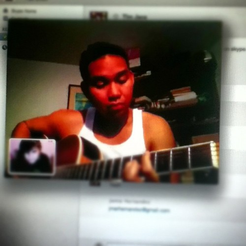 @timjaca and @chrissantaana are serenading me on FaceTime. #fangirlscream #guitar #singing #love #friends #ivegotacrush #youtubestar (Taken with Instagram)