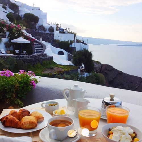 dailyluxury:  The perfect breakfast.  I think that's Greece. Really pretty place.