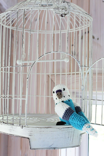 Cute and crocheted.  Blue Budgerigar with pattern (although not in English and translate comes out a wee bit wonky, but you could power through) via kungen & majkis