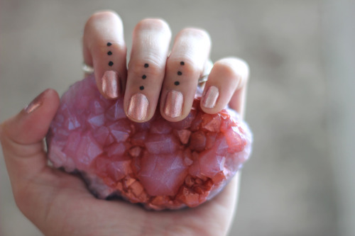 blissfulbambi:  knowwhenitsadream:  Crystal & Party Paint ~ October 2012 freepeople:  Crystal Soaps at Free People!   So pretty